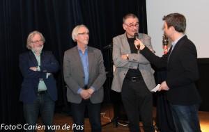 Joost Tijssen vraagt honderduit aan de jury bestaand  uit (vlnr) Johan Brosens, Bert van Herreveld en Ad van Drunen.  Emile Nagel moest vanwege ziekte verstek laten gaan.