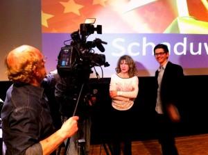 Producente en auteur Marya Hüsstege en regisseur Joep Lommerse voor de camera van MTV. (Foto: Ruurd Fenenga)